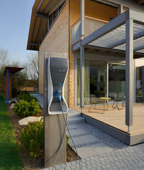 """""""Alpenchic"""" im Bio-Designhaus Musterhaus zukunftsweisendes Energiekonzept Minergie-ECO-Zertifikat von Baufritz"""