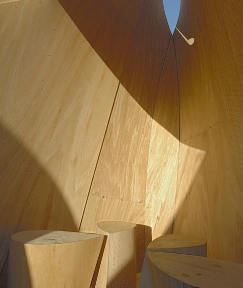 Schutzhütten für Eisläufer in Kanada gegen Wind aus gebogenem Sperrholz