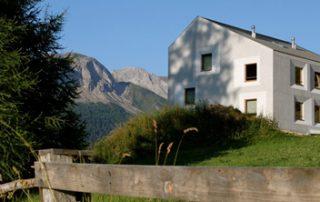 Pensiun Laresch Naturkalkfassade Naturkalkputze von HAGA Naturkalk