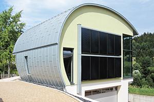 Rundes Energiesparwunder: Cellulose-Dämmung optimal für besondere Architektur von horrydoo