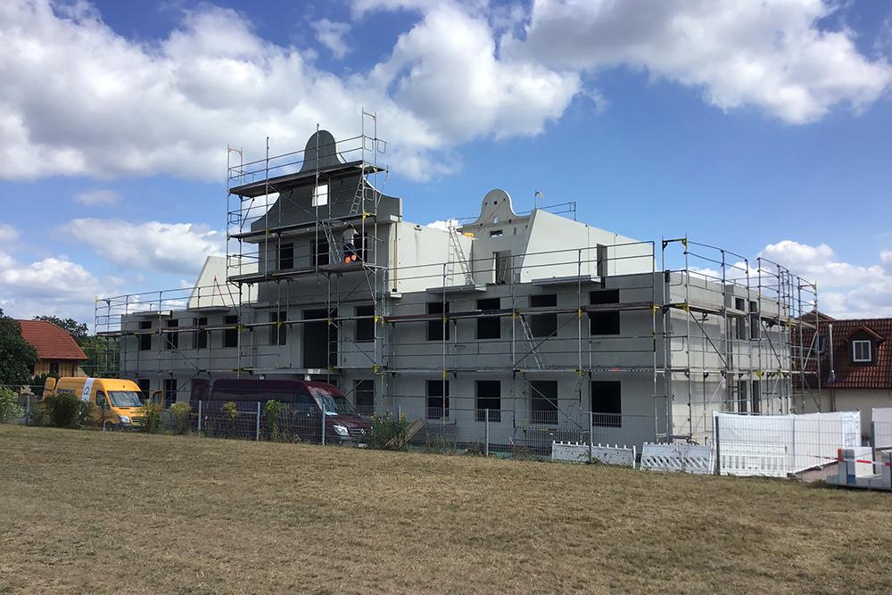 Hoteldorf bei laufendem Betrieb in Rekordzeit erweitert von horrydoo, Dennert Baustoffwelt